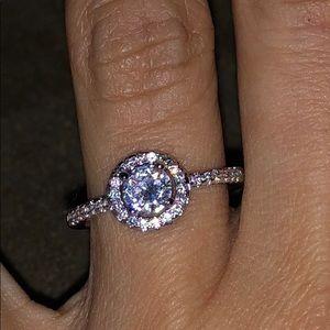 Jewelry - Swarovski crystal ring...